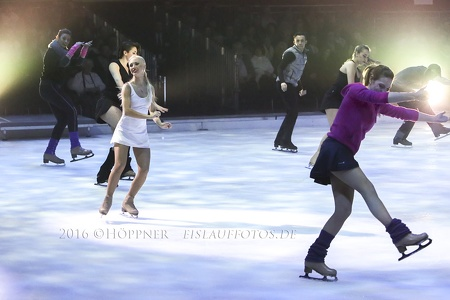 Annette Dytrt holiday on ice 26-02-2016